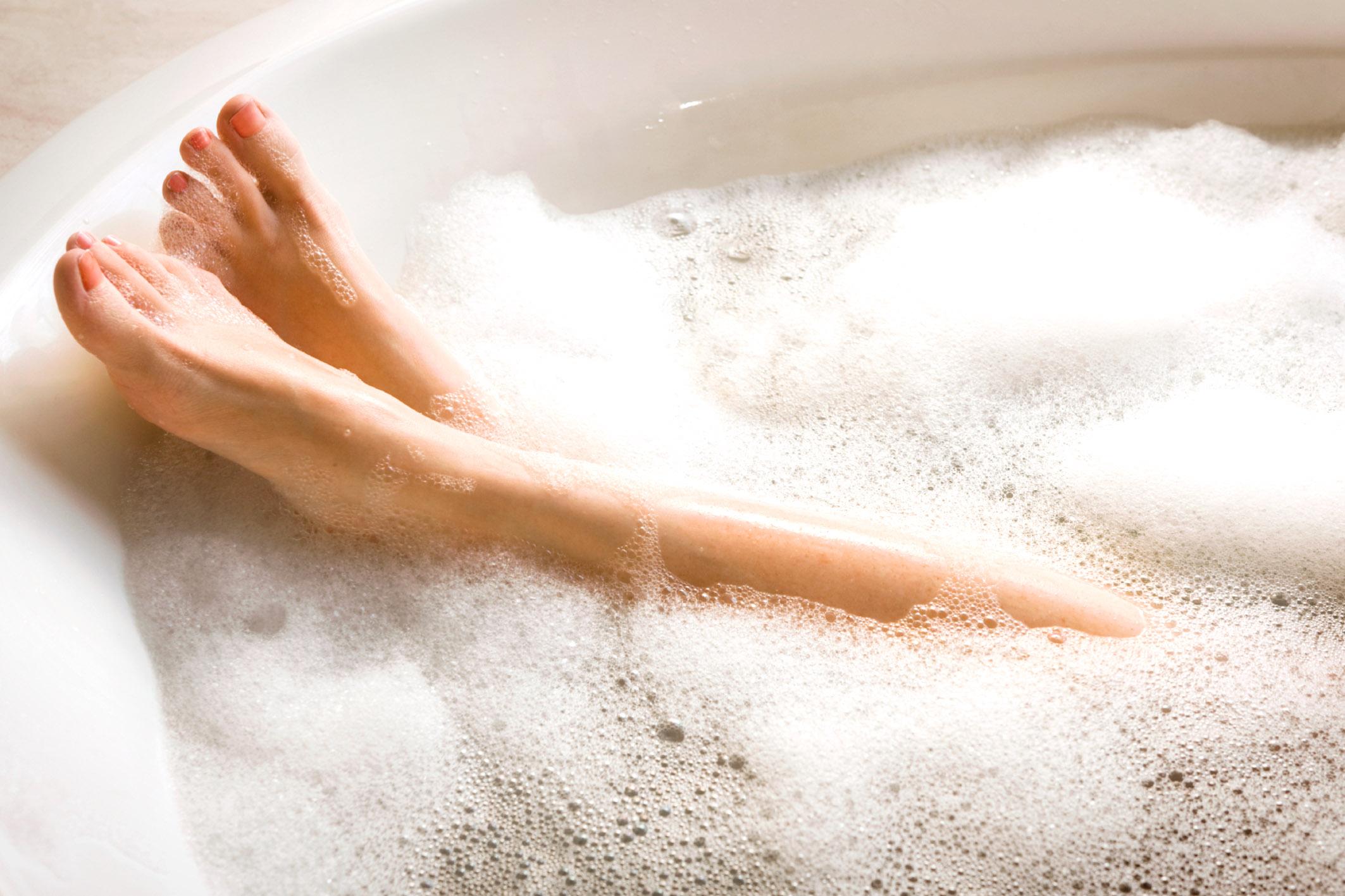 Картинки девушек в ванной с пеной