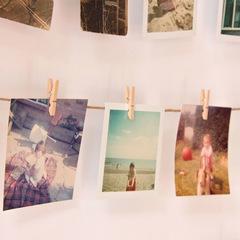 Панно с зажимами для 40 фотографий Hangit дерево Umbra 315000-390