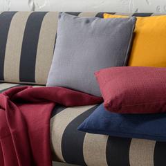 Подушка декоративная из хлопка фактурного плетения темно-серого цвета из коллекции Essential, 45х45 Tkano TK19-CU0015