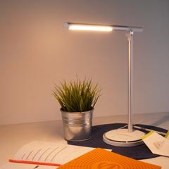 Настольный светодиодный светильник Vara серебро TL70990 Elektrostandard