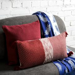 Подушка декоративная из хлопка фактурного плетения бордового цвета из коллекции Essential, 45х45 см TK19-CU0016