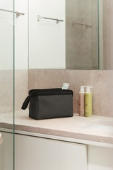 Косметичка Travelcosmetic canvas black Reisenthel WC7047