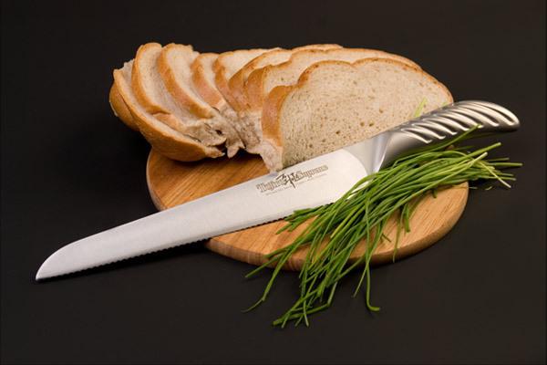 Нож кухонный стальной для хлеба (240мм) Tojiro Supreme Series DP FD-962