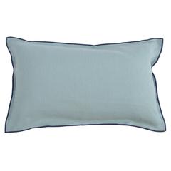 Чехол на подушку из фактурного хлопка голубого цвета с контрастным кантом из коллекции Essential, 30х50 см Tkano TK20-CC0008