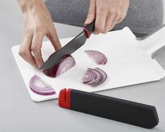 Набор из 2 ножей в чехлах со встроенной ножеточкой Joseph Joseph Slice&Sharpen 3,5' и 6' 10146