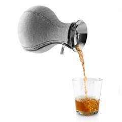 Чайник заварочный Tea maker в неопреновом текстурном чехле 1 л темно-серый Eva Solo 567487