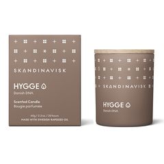 Свеча ароматическая HYGGE с крышкой, 65 г (новая) SKANDINAVISK SK20209