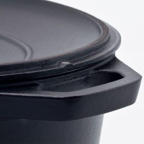 Кастрюля с крышкой чугунная 31 см (5,6л), с эмалированным покрытием, овальная, CHASSEUR Black (цвет: чёрный) арт. 3731 (3113)