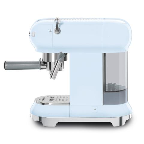 Кофемашина-эспрессо Smeg (Пастельный голубой) ECF01PBEU