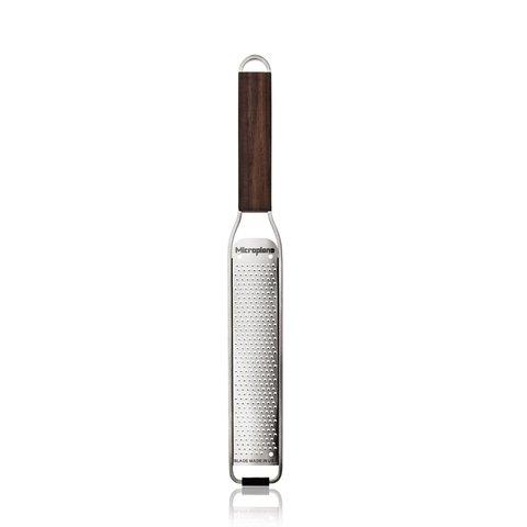 Тёрка Microplane  Master для цедры и сыра с деревянной ручкой 43320