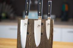 Комплект из 3 кухонных ножей (69 слоев) YAXELL RAN и подставки