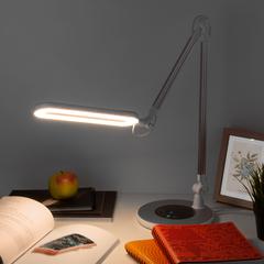 Светодиодная настольная лампа с сенсорным управлением Eurosvet Modern 80420/1 серебристый