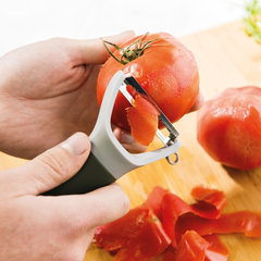 Пиллер для чистки овощей горизонтальный (с мелкими зубчиками) Leo BergHOFF 3950119