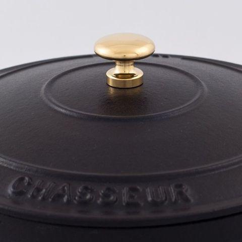 Кастрюля с крышкой чугунная 20 см (2,3л), с эмалированным покрытием, CHASSEUR Black (цвет: чёрный) арт. 3720 (2018)