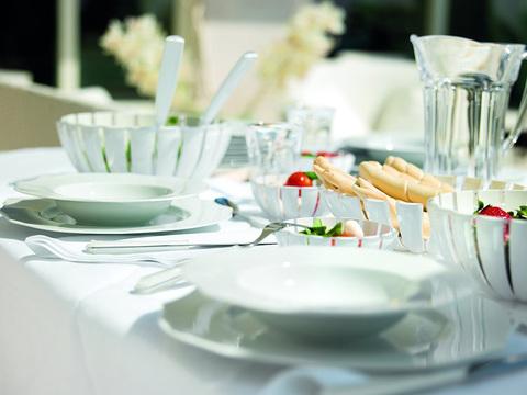 Блюдо глубокое Guzzini Grace белое 29740000
