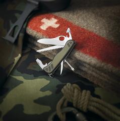 Нож Victorinox Soldiers Knife, 111 мм, 10 функций, зеленый 0.8461.MWCH