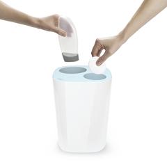 Контейнер мусорный Split™ для ванной комнаты, бело-голубой Joseph Joseph 70505