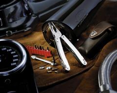 Мультитул Victorinox SwissTool Spirit 27, 105 мм, 27 функций, кожаный чехол с поворотным креплением 3.0227.L1