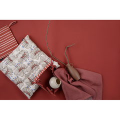 Подушка на стул из хлопка молочного цвета с принтом Цветы из коллекции Prairie, 40х40 см Tkano TK20-CP0005