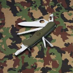 Нож Victorinox Military, 111 мм, 11 функций, зеленый 0.8461.MW4DE