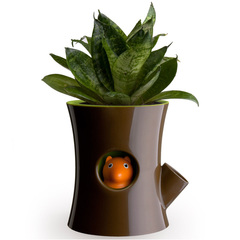 Горшок самополивающийся Log&Squirrel коричневый-зеленый Qualy QL10075-BN-GN