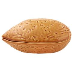Блюдо для горячего с крышкой Bordallo Pinheiro